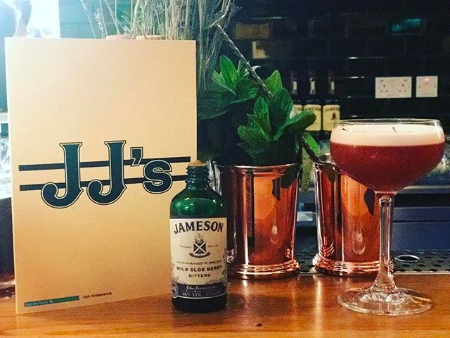 Doing the new @jamesonwhiskey distillery tour in Dublin! Thanks @johnjamesonmolloy #Jameson #Whiskey #irish #Drinks #Sunday #Fun #Ireland #paddysweekend #whiskeysour #fresh #photo #like #friends