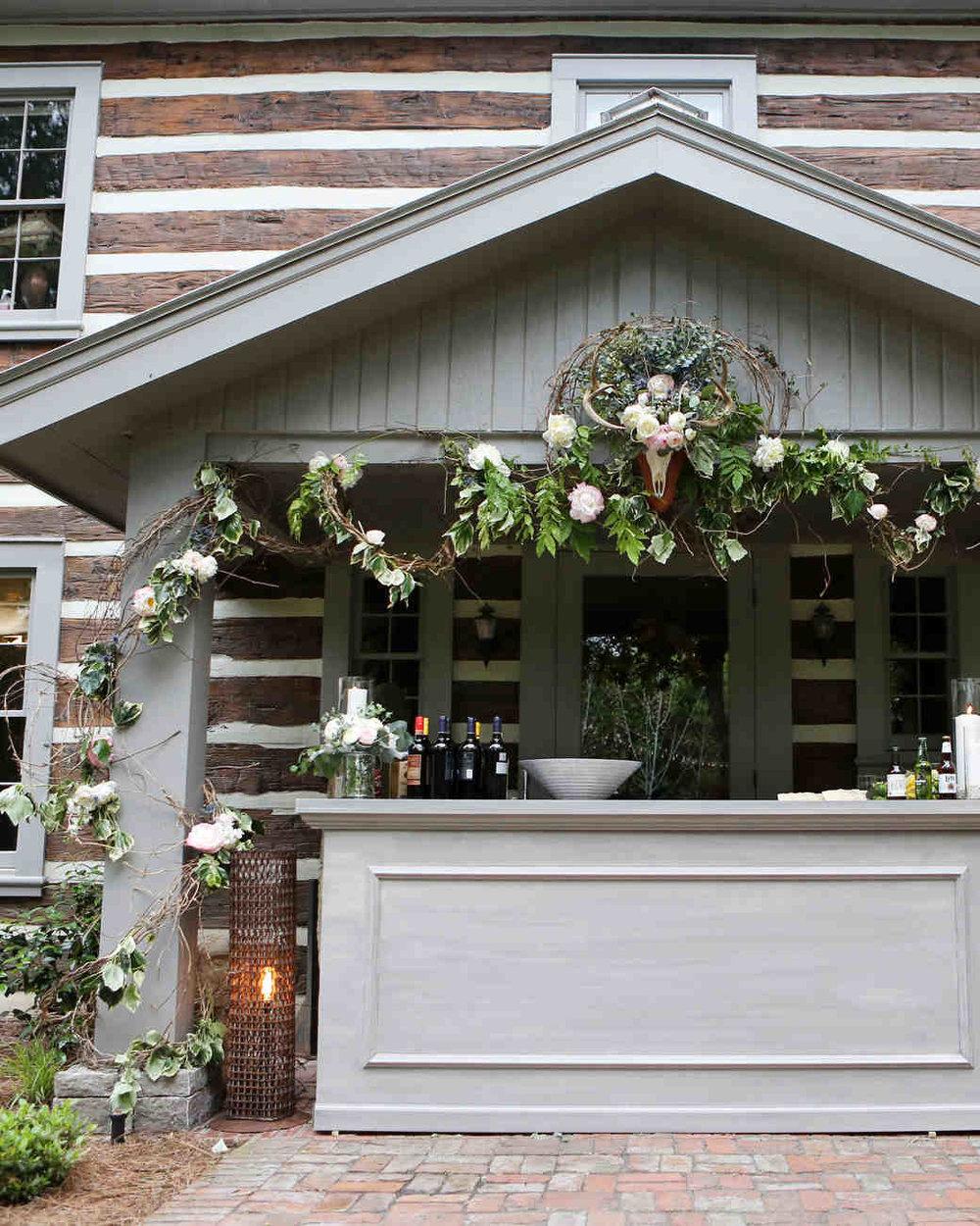 memree-rich-wedding-bar-474-6257086-0217_vert.jpg