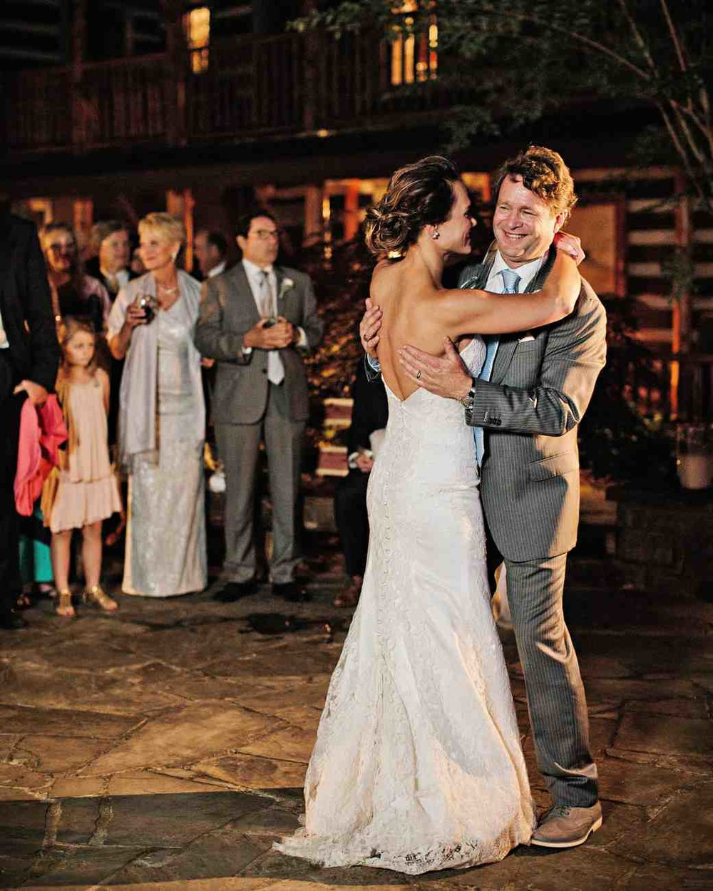 memree-rich-wedding-firstdance-813-6257086-0217_vert.jpg