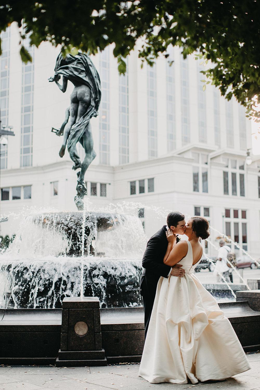 215Schermerhorn Symphony wedding_Fete Nashville_First Look_Janelle Elise.jpg