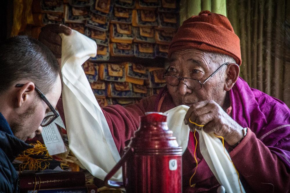 Lama Geshe jakaa tiedettä