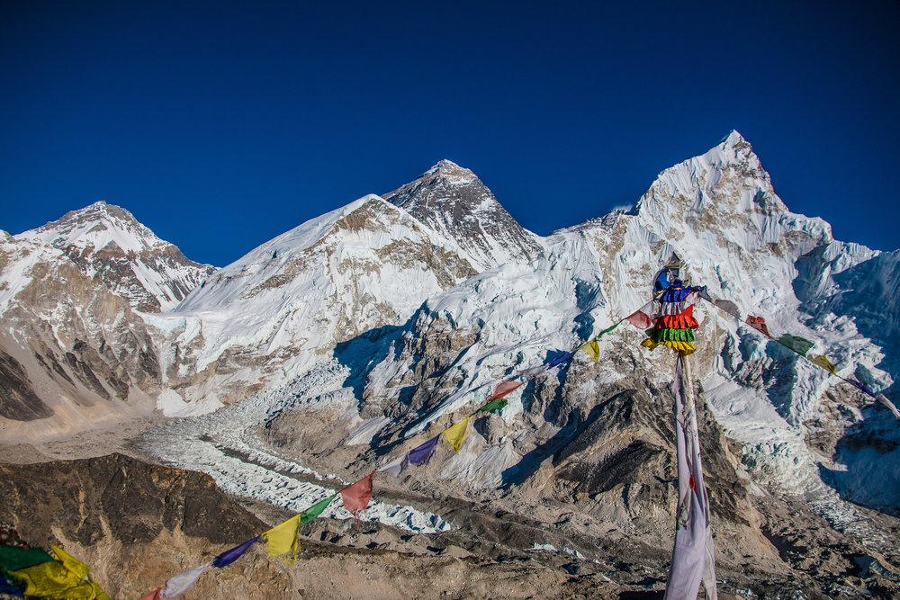 Changtse, Everest Nuptse ja niiden välistä pujotteleva Khumbun jäävirta.