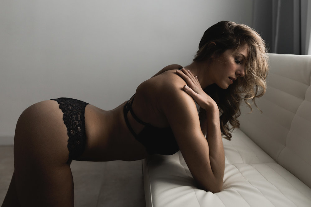 kate_juliet_photography_boudoir_web-71.jpg