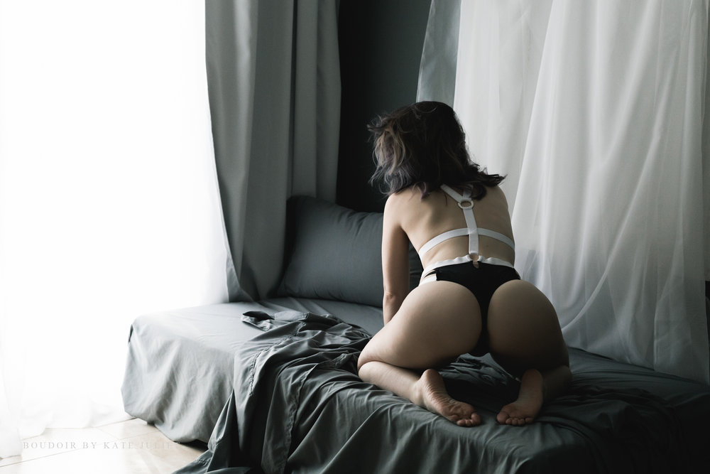 Fairfax VA Women's Photographer | Boudoir by Kate Juliet