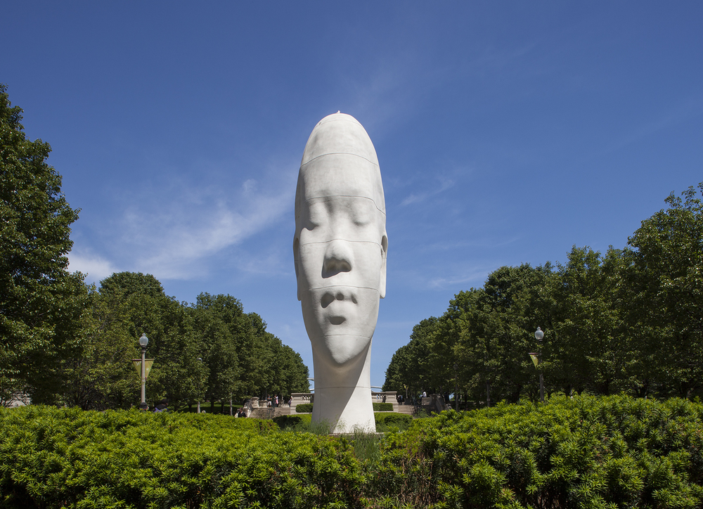 Millenium Park Sculpture 2 2015.jpg