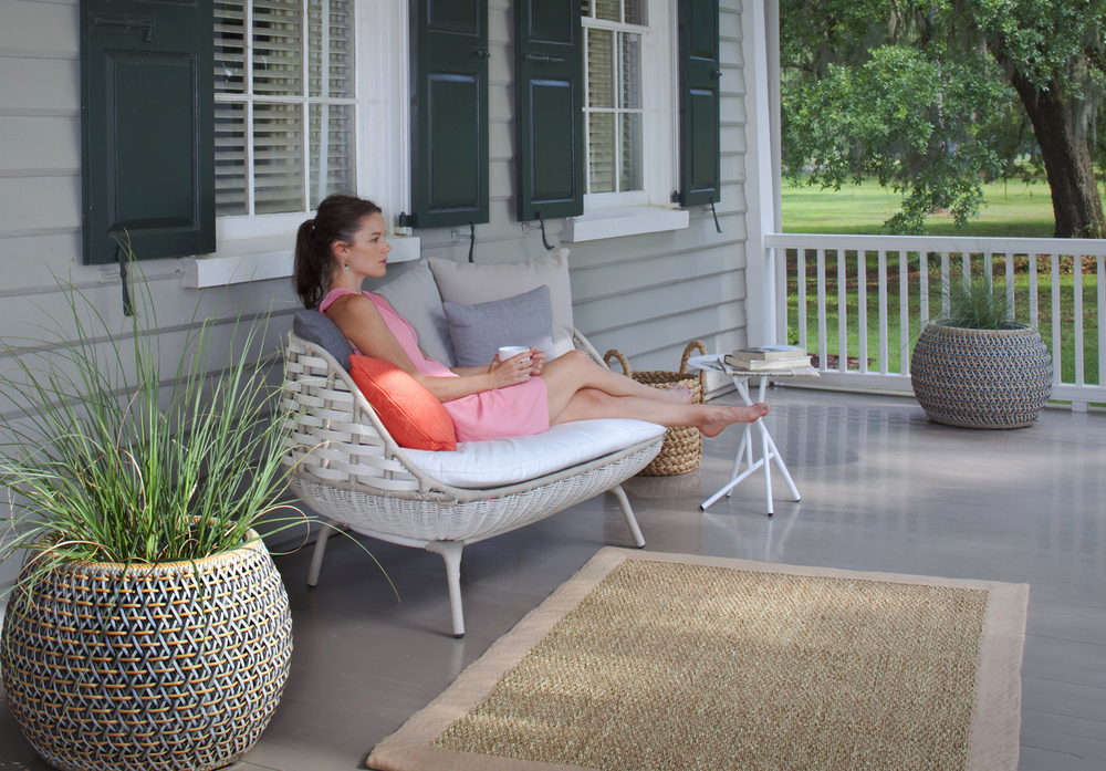 Woman Porch Dedon New Web-2.jpg