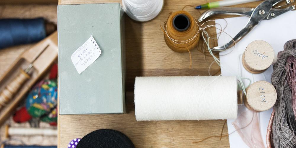 ....Accessoires au métier à tisser..A loom's casual accessories....