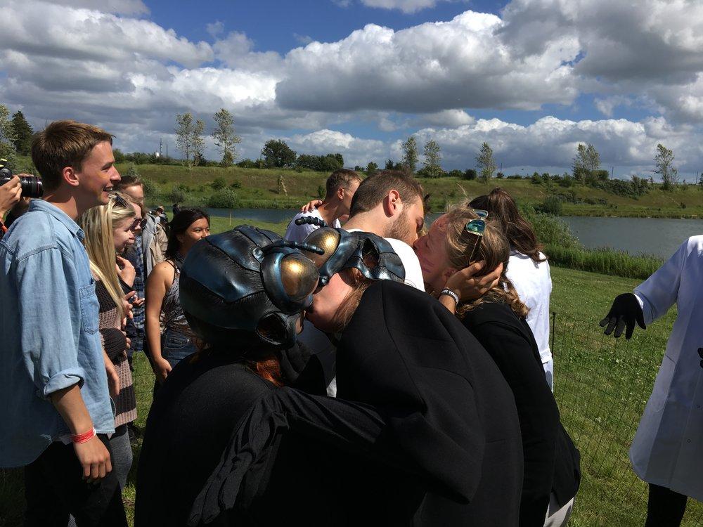 Eben kirksey,  bug juice , Roskilde festival (2017)