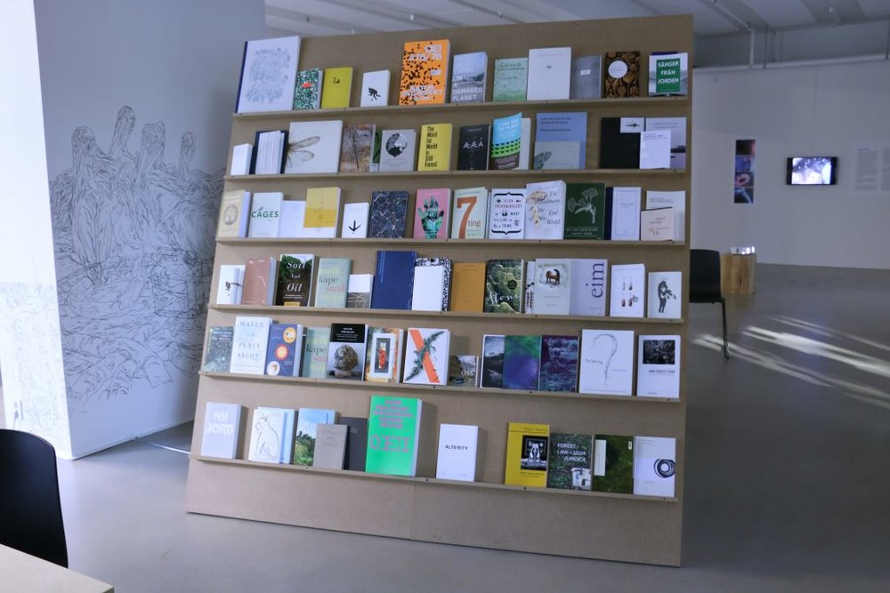 Et Nytt Vi ,  Library for multispecies thinking.  INSTALLATION Shot: Aage A. Mikalsen / Kunsthall Trondheim