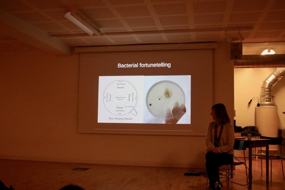 Agnieszka Pokrywka: Bacteria fortune telling'