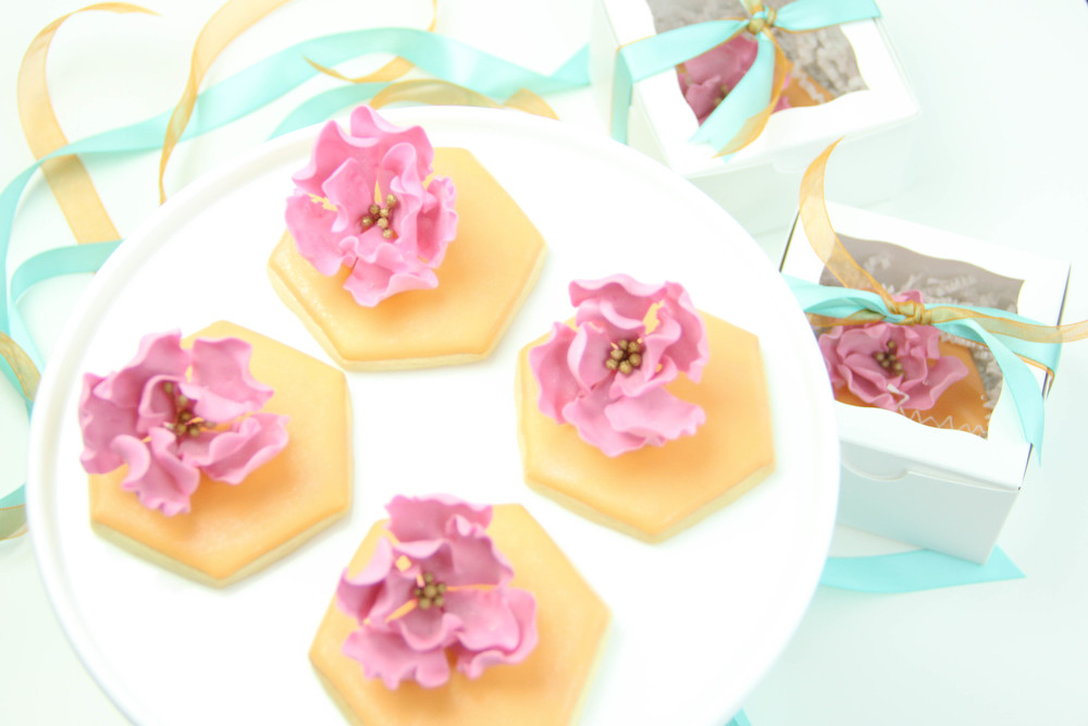 Birthday Favors-Sugar Flower cookies.jpg