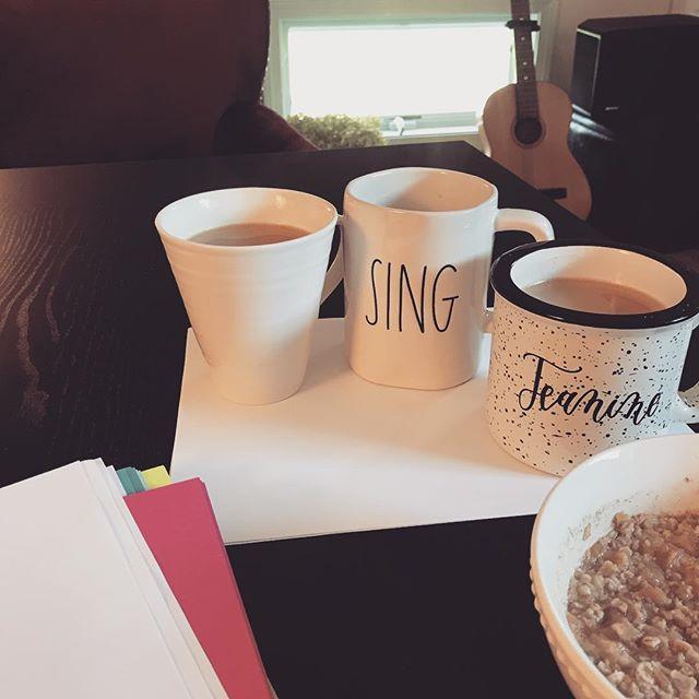 #tuesdaymorning #homeoffice #musicianlife #giftedmugs #writingsonthewall #mondaymotivation #stillkicking #todolistsfordays