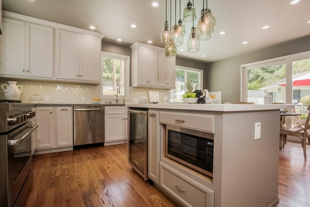 Altadena Open Up Kitchen