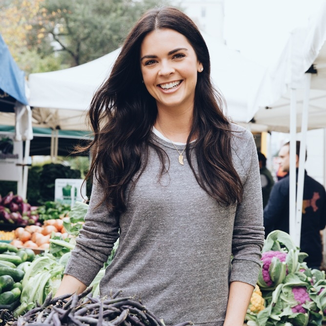 KATIE  LEE   Featured 10.17-10.23 Culinary Hottie, Beach Babe + True Southern Girl