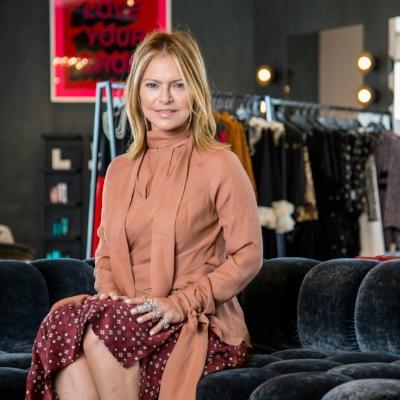 ELYSE  WALKER   Featured 11.28-12.4 Major Boss Lady, Fashionista + Secret Tomboy