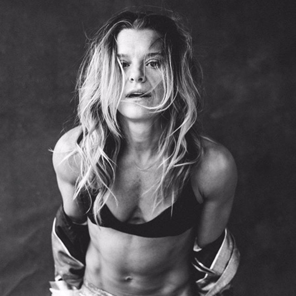 HOLLY  RILINGER    Featured 6.5-6.11.17 Coach, Nike Master Trainer Surfer Chick + Ab Master