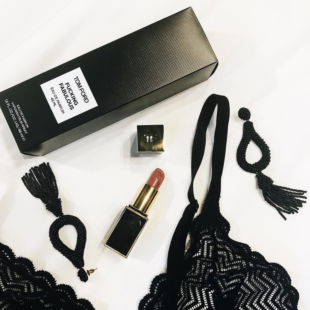 Smoking girls and masturbating 2