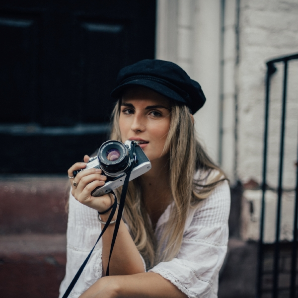 CHLOÉ CRANE LEROUX  PHOTOGRAPHER