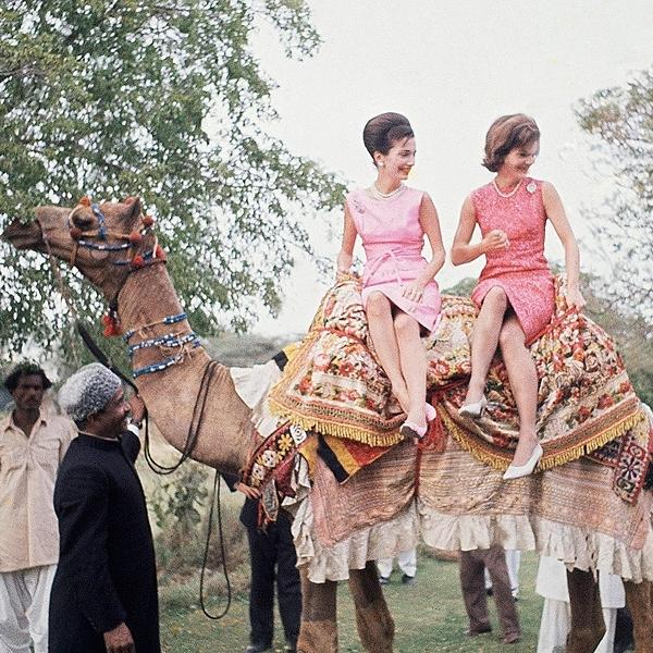 jacqueline-kennedy-camel-pakistan-3.jpg