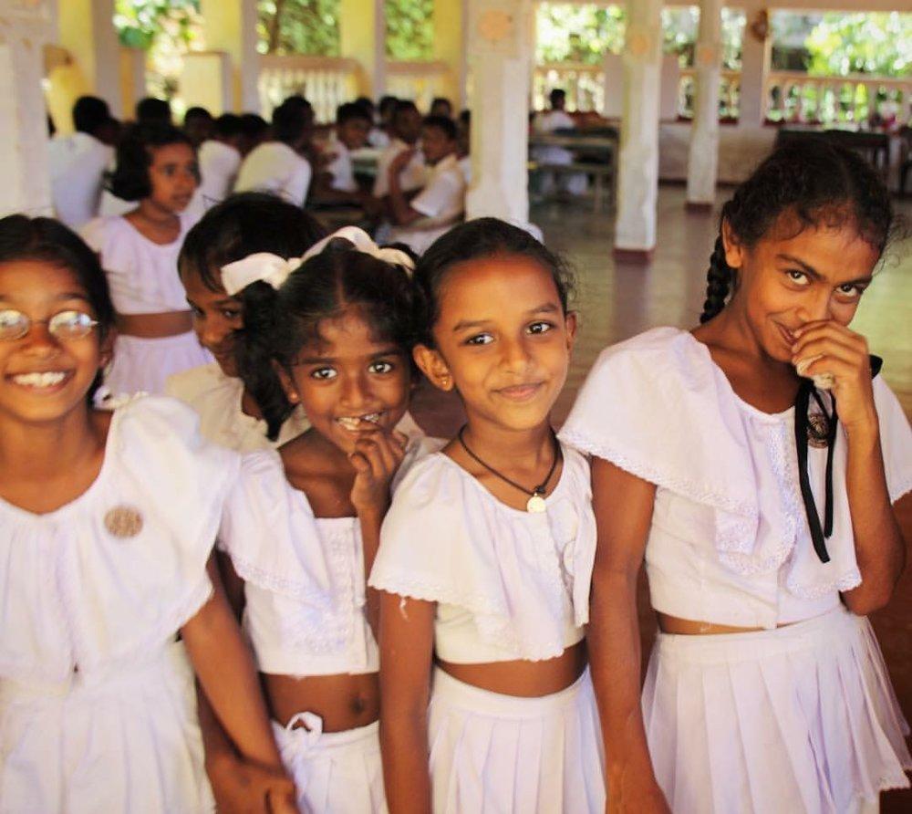 Girlssrilanka-school.JPG