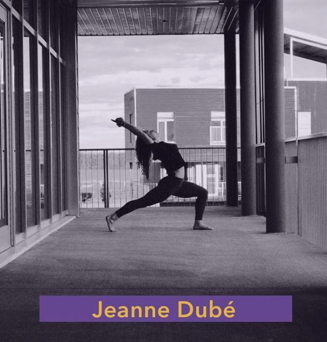 /////PROF DE LA SEMAINE///// Projet #relaxtonmind au @artgangplaza  Cette semaine on vous présente @ jeanne.athleticyogi!!! Active, dynamique et curieuse, Jeanne est passionnée par la performance et le mouvement du corps. Suite à ses études en danse contemporaine, elle travaille pour diverses compagnies au Québec et au Canada comme interprète professionnelle. C'est lors d'une tournée qu'elle découvre le yoga et qu'elle développe une réelle passion pour cette discipline. Le yoga est pour elle, un espace en constante évolution, permettant d'aligner son corps et son esprit et de trouver l'équilibre entre les différentes sphères de sa vie. Après plusieurs années de pratique, elle sent le besoin d'approfondir ses connaissances et complète sa formation professorale de 200h dans la pratique du yoga adaptée aux athlètes. Avec l'enseignement, elle désire amener chaque individu à développer leur intelligence et leur conscience corporelle, trouver une aisance dans leurs mouvements et intégrer le yoga dans leur routine d'entrainement afin d'améliorer leur performance de manière sécuritaire. Jeanne détient également une formation en Multi-barre par Multi Style Yoga International et enseigne des cours d'entrainement fonctionnel.  Découvrez @jeanne.athleticyogi mardi le 8 MAI à 17h30 ou à 19h en vous inscrivant en suivant le lien dans la bio! . . . #yoga #yogatime #yogaforall #community #communauté #rosepatrie #mtl #yogateacher #projet #project #artandyoga #yogaandart #paywhatyoucan #contributionvolontaire #contribution #démocratisation #yogadébutant #beginneryogis #yogisofinstagram #yogilife