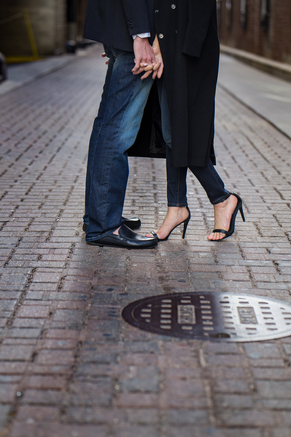 CHICAGO MODERN ENGAGEMENT PHOTOGRAPHY