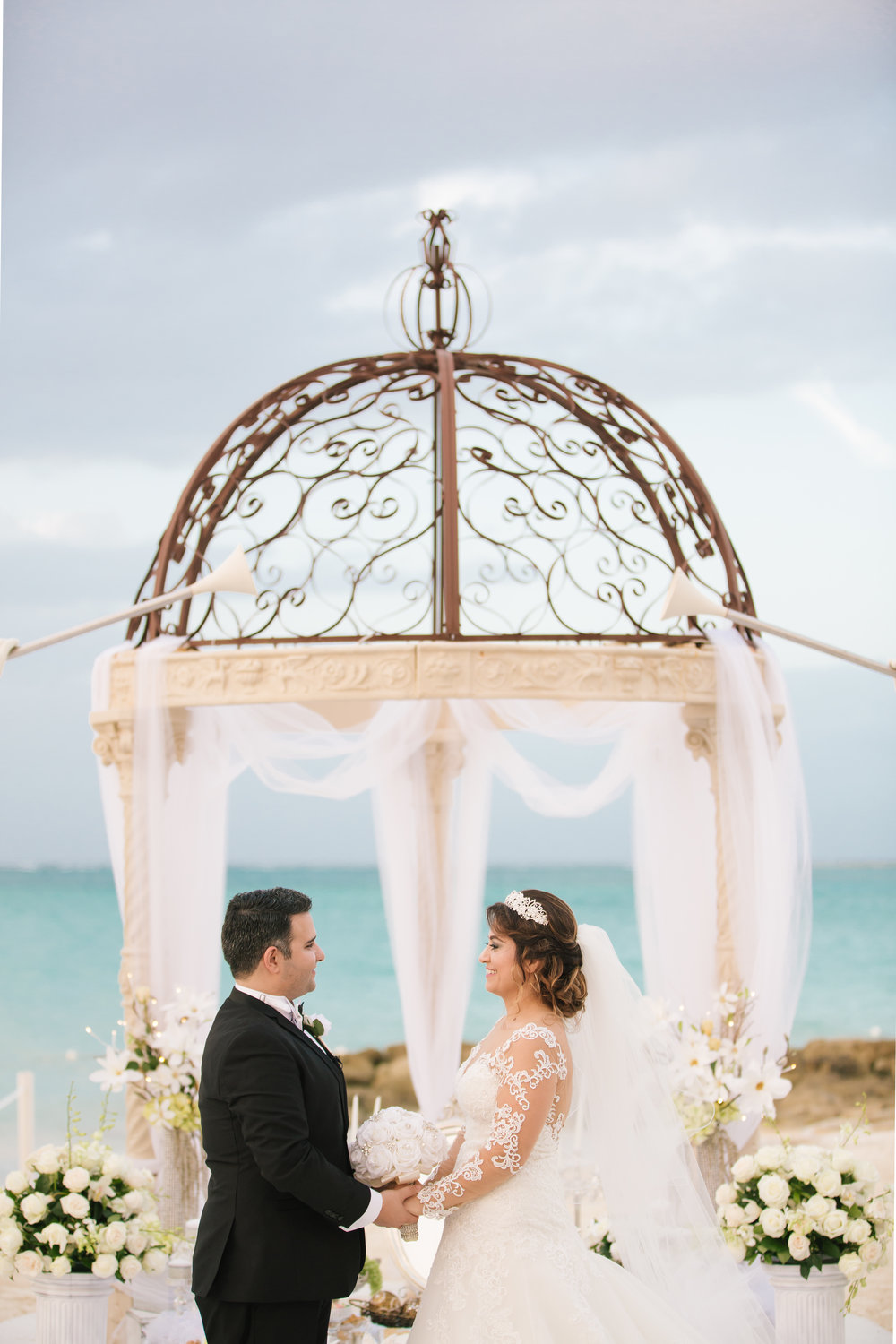 LeCapeWeddings_SandalsResort_Bahamas_S&N.jpg