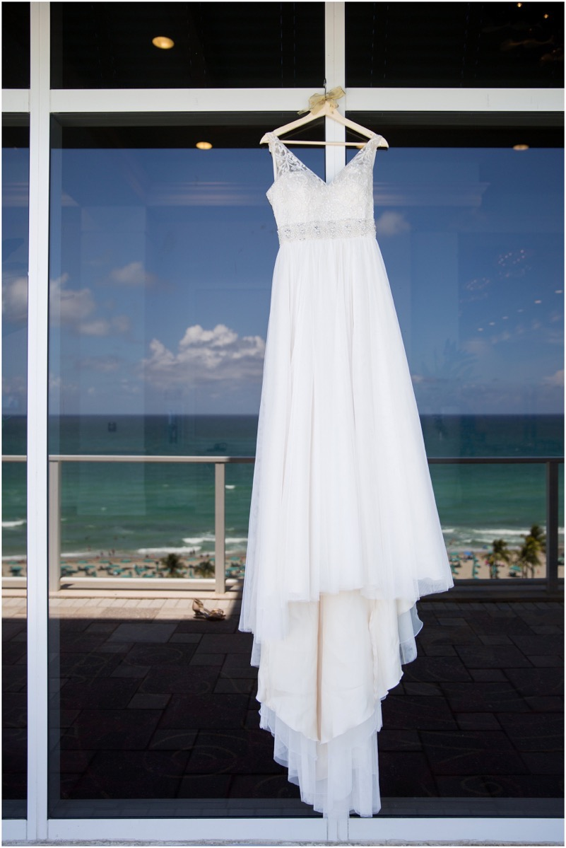 Le Cape Weddings - Miguel and Carolina - Latin Wedding in Florida - -4424_LuxuryDestinationPhotographer.jpg