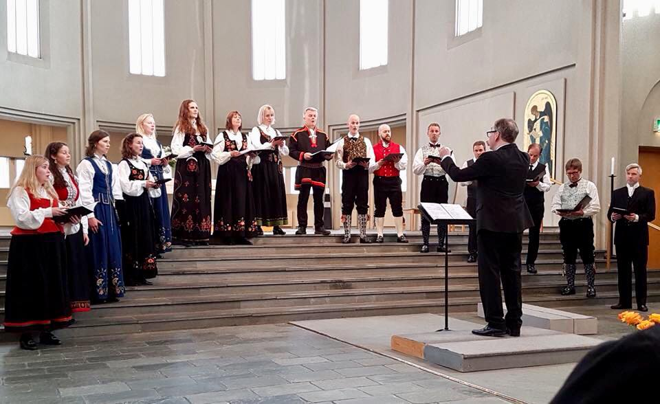 Fra konserten vår i Hallgrimskirkja, hvor også det flotte koret Schola Cantorum Reykjavicenses deltok.