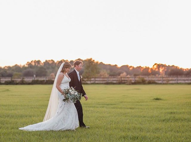 This sweet November couple just celebrated their first anniversary. It was a beautiful day at their family farm with the ceremony taking place under some of the most gorgeous old Oak Trees. We are luck enough to now be planning Lizy's sister wedding which will also take place on the beautiful farm. Photographer @elizabethgelineau