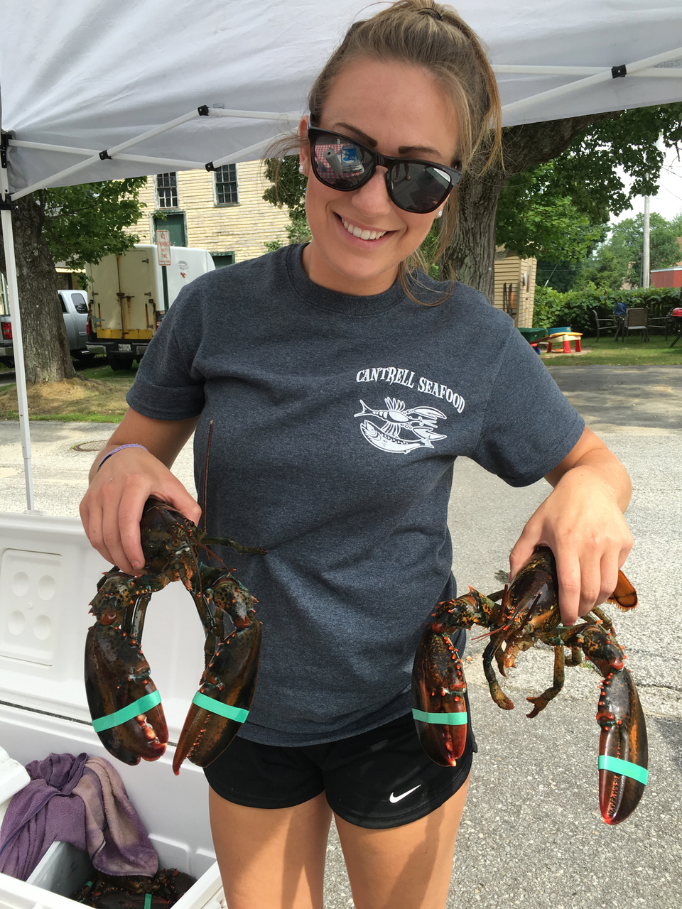 yarmouthfarmersmarketlobster.jpg