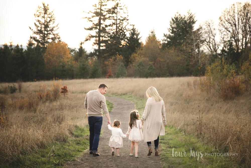 Best_Family_Photographer_Beaverton_Oregon_Outdoor-8.jpg