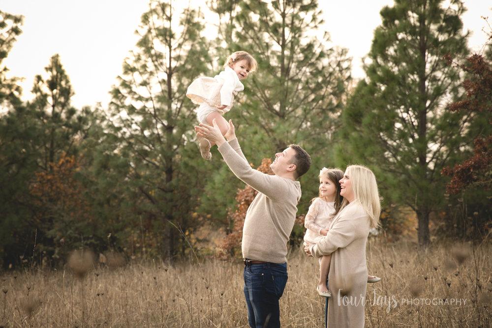 Best_Family_Photographer_Beaverton_Oregon_Outdoor-6.jpg