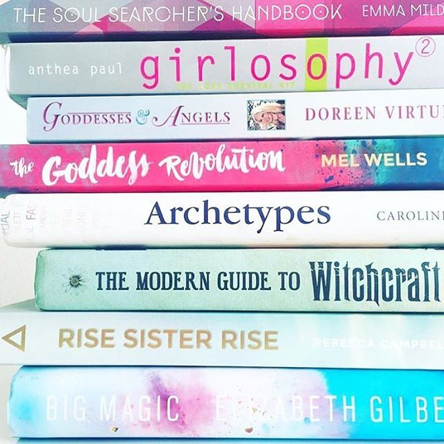 One phat spiritual stack 💜🔮🤓✨💜 what are you read soul Searcher's? I am on an archetypes, goddessy, witchy, soul searching buzz as of late. Book hunting now I have finished the latest series of Vikings. Goddess porn am I right!👌🏼🙈😂 but let's be honest! 😂😍 #thesoulsearchershandbook #bookstagram #evolutionofgoddess #bigmagic #risesisterrise