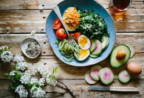 healthy meal wood table.jpg