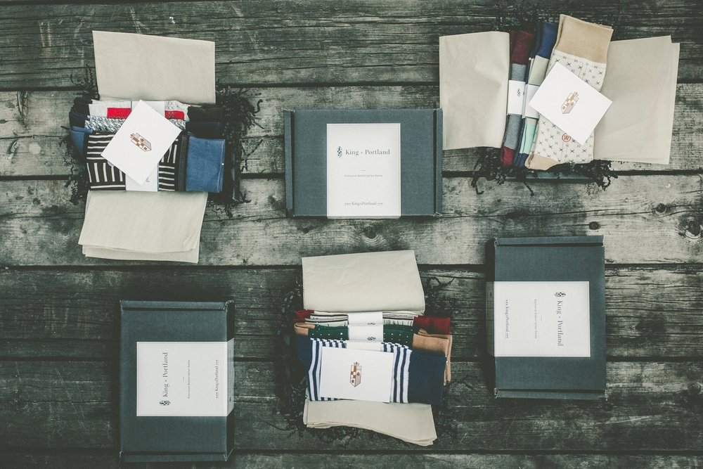Gifts - Give a subscription or exclusive gift box