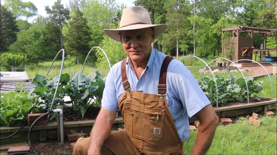 farmer-fred-in-the-plant-smart-living-gardens