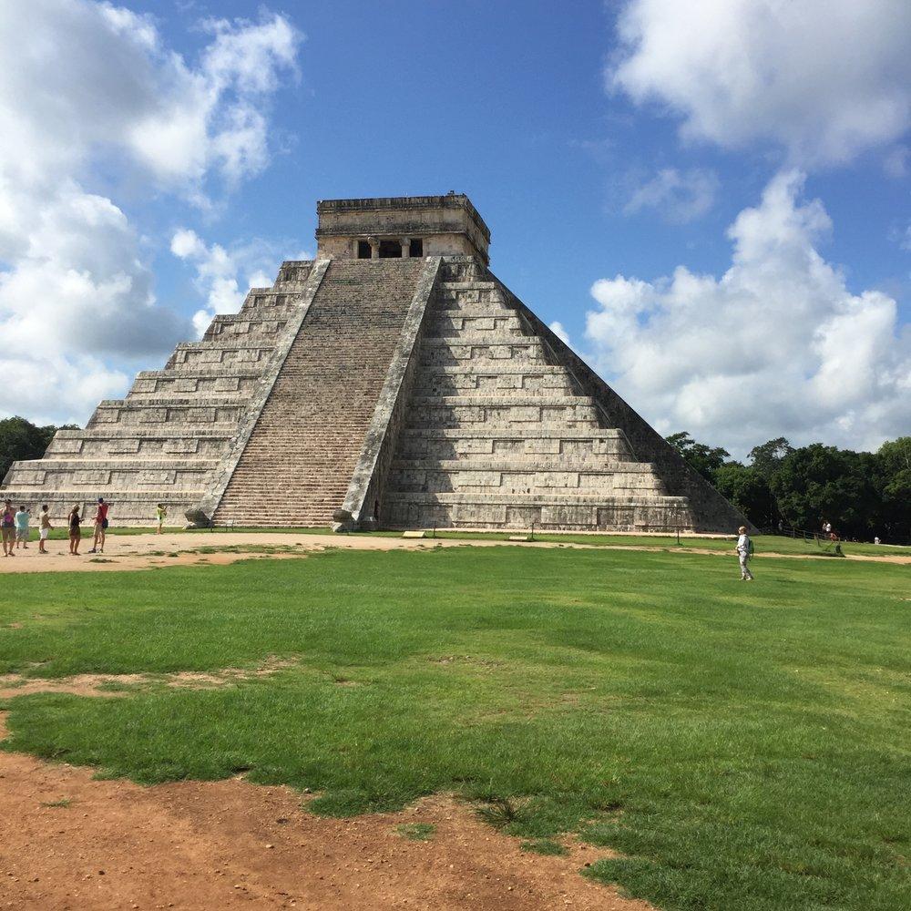 El Castillo Pyramid - Chichen Itza, Mexico