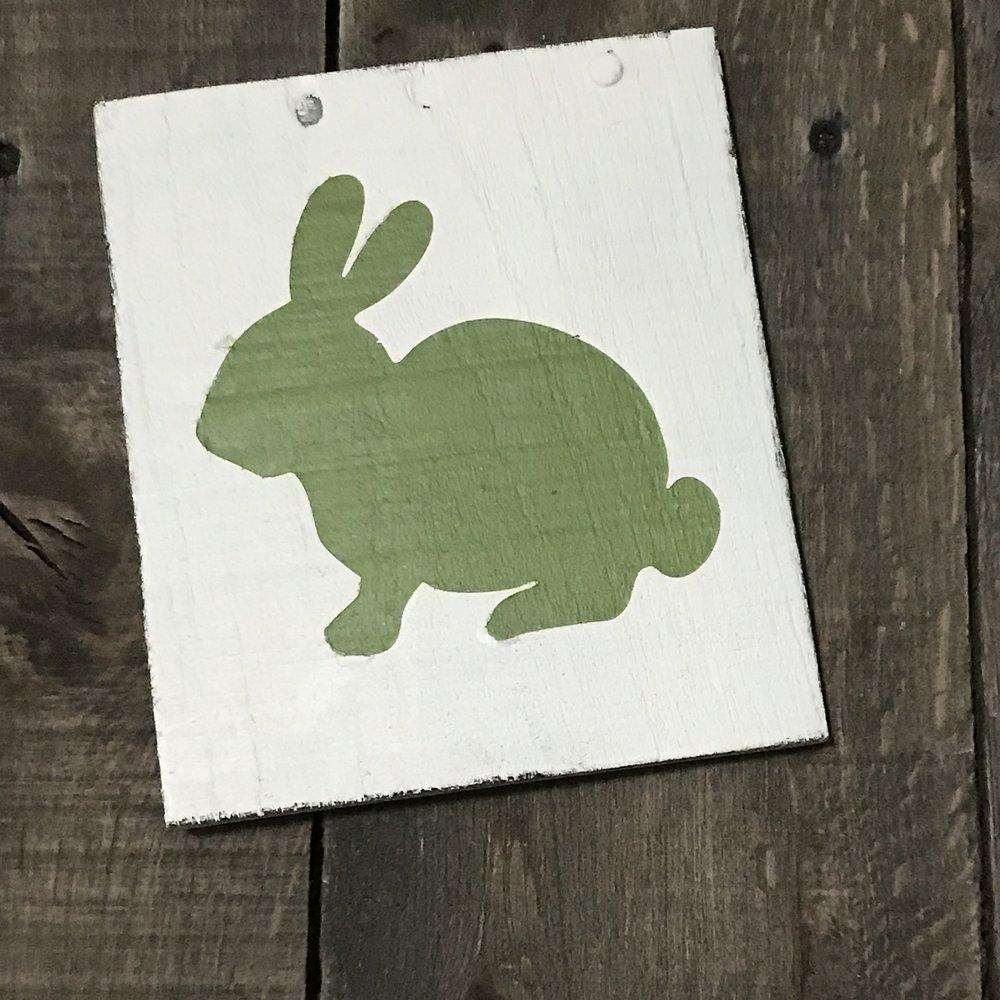 Green bunny farmhouse sign