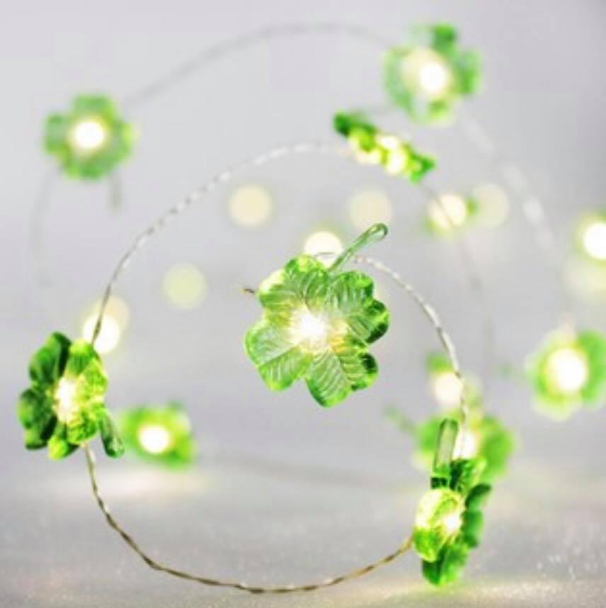 Lighted clover garland