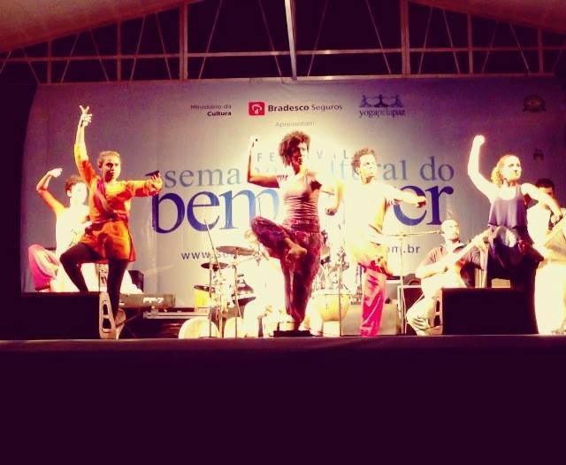 07/10/13 – Yoga Pela Paz com Grupo de Dança Divina Essência – Parque Ibirapuera, São Paulo, SP