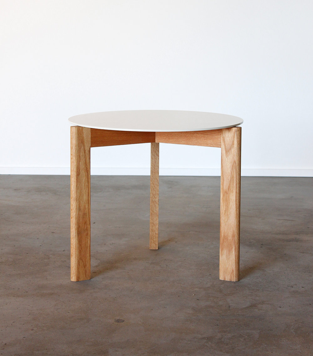 white_side_table1.jpg