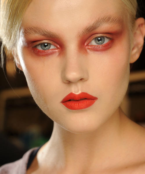 This is all cool for the runway but my goal is to avoid looking like this IRL. Source: vfiles.com