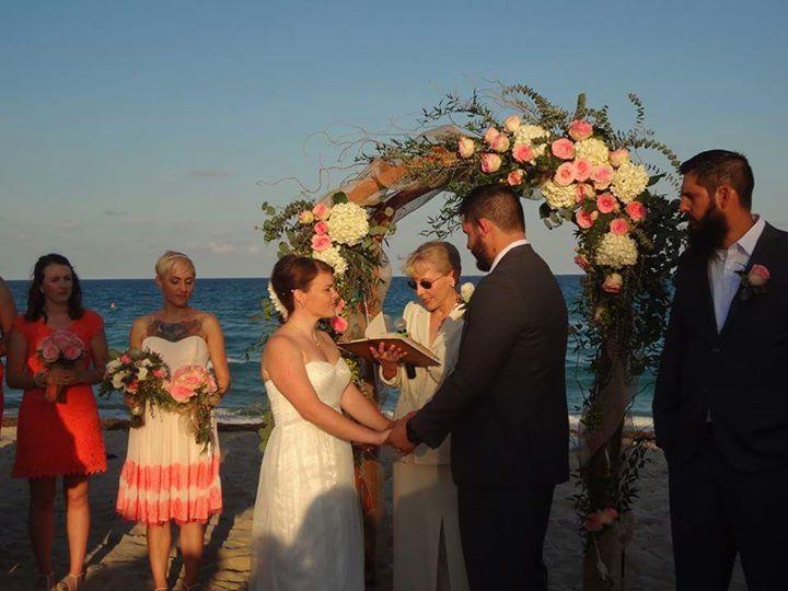 Cari-Dawson-Celebrant-wedding.jpg