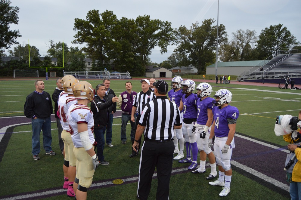 Members of the 1985 team served as Honorary Captains before the 2015 Watterson game