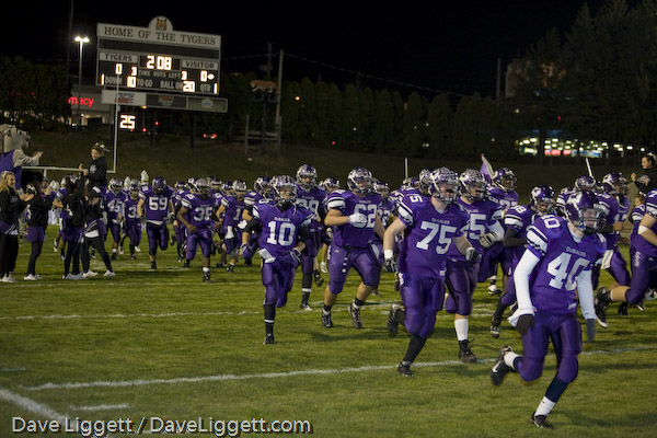 The Stallions take the field in Mansfield before the Region 7 Final (photo credit - Dave Liggett)