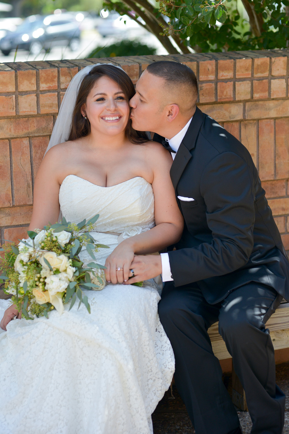 Austin-wedding-photography-texas-selma-kiss-02