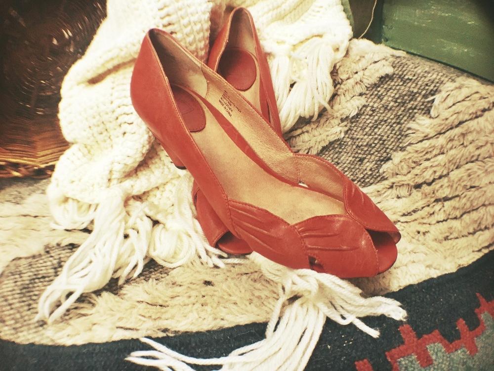 FRYE burnt orange, peep toe, kitten heels (9); $38