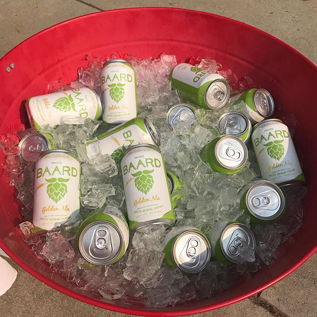 We're out at Banbury Golf Course today for the Boys and Girls Club fundraiser. Free samples on ice! #Baard #BlueCollar