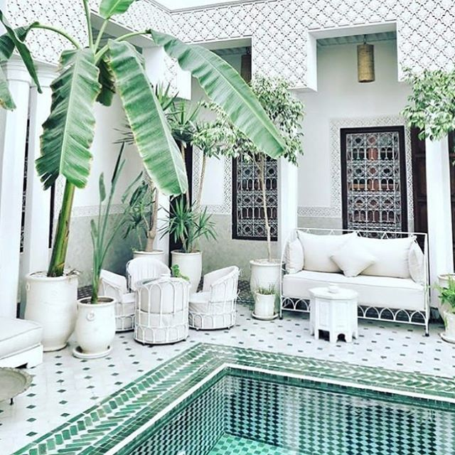 Happy hump day ✨ . . . #holidaydreaming #leriadyasmine #marrakech #interiordesign #ihavethisthingwithtiles #events #wedding #withpaloma